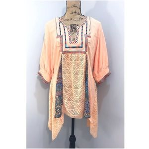 Gimmicks by BKE Peach Embroidered Tunic